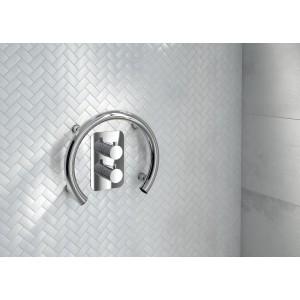Uchwyt pod prysznic dla seniora lub osoby niepełnosprawnej.