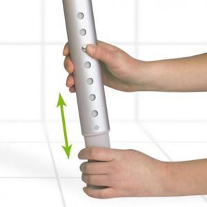 Taboret pod prysznic posiada regulowane nóżki.
