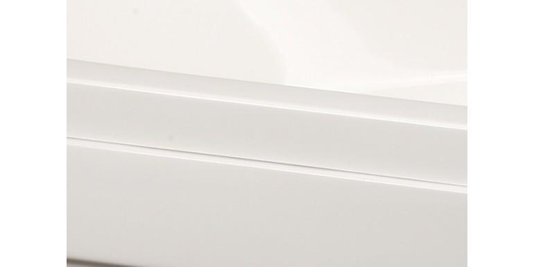 Z jakiego materiału wykonane są wanny z drzwiami?