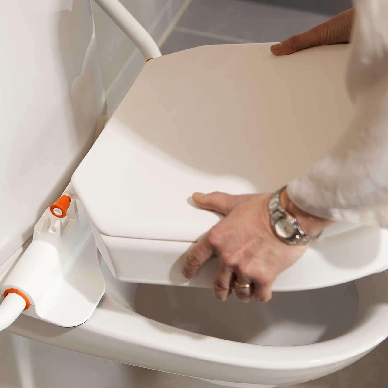 Nakładkę łatwo utrzymywać w czystości, dzięki możliwości szybkiego demontażu.